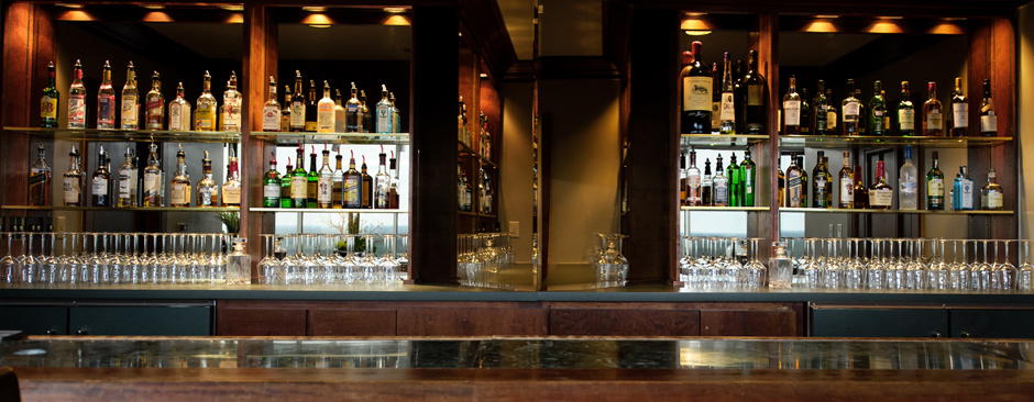 Enjoy a drink after work in our Member's Bar
