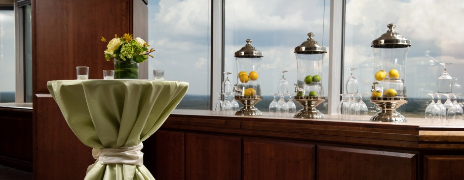 An elegant venue for hors d'oeuvres receptions